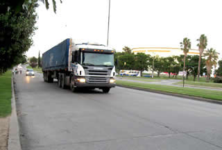 driving-truck-delivery