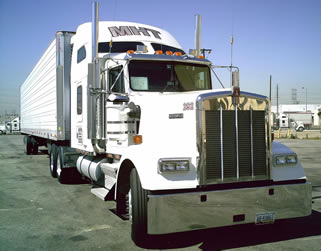 white-kenworth-semi-truck
